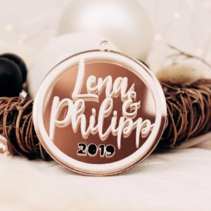 Frau Kopfkino; Geschenk; Geschenkidee; Holzdekoration; Lasercut, Anhänger, Vorname, personalisierbar, Christbaumschmuck, Hexagon; Geschenkanhänger; Weihnachtsbaum